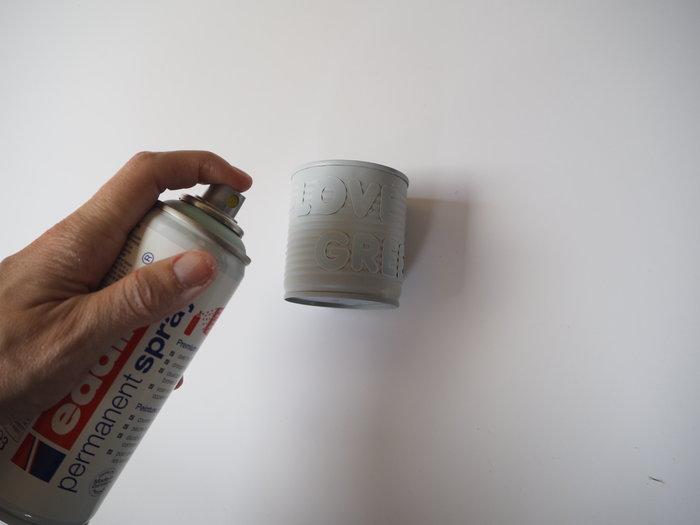 Le vase pastel aimanté- Appliquez