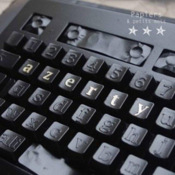 Un clavier rétro !- Couverture de noir !
