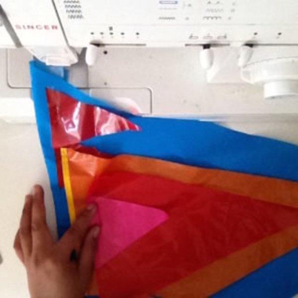 DIY drapeaux colorés- Ajout des éléments sur la base