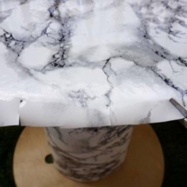 DIY : Upcycler un touret en table tendance- Pose de l'adhésif