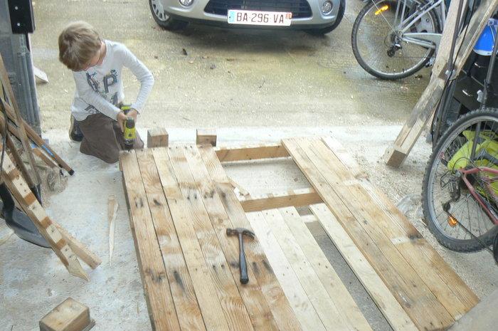 Une cabane pour enfant en palettes- le remontage de palette ( comme on la veut pleine )