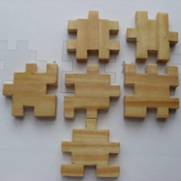 Puzzle Cube en bois- collage et découpage des pièces