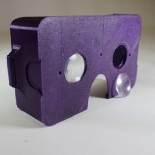 Lunettes de réalité virtuelle- Mise en place des lentilles biconvexes dans le support principal
