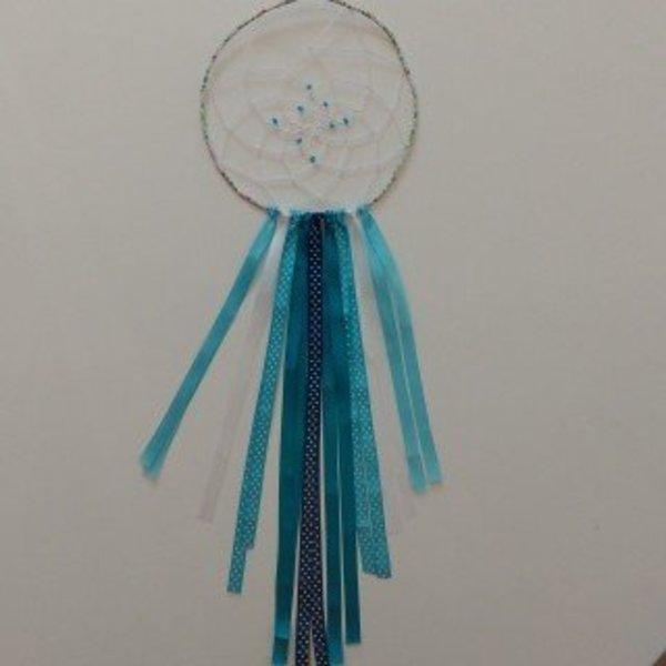 Attrape rêves décoratif- La pose des rubans