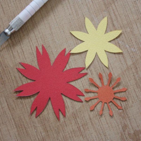 Carte fleurie en papier- DÉCOUPER LA FORME