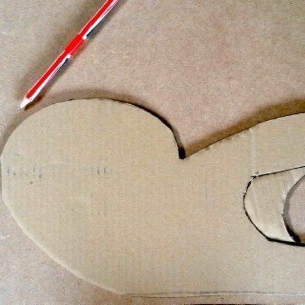 **CAT-MAKER**- Passons aux choses sérieuses : dessiner les pièces sur la planche de bois
