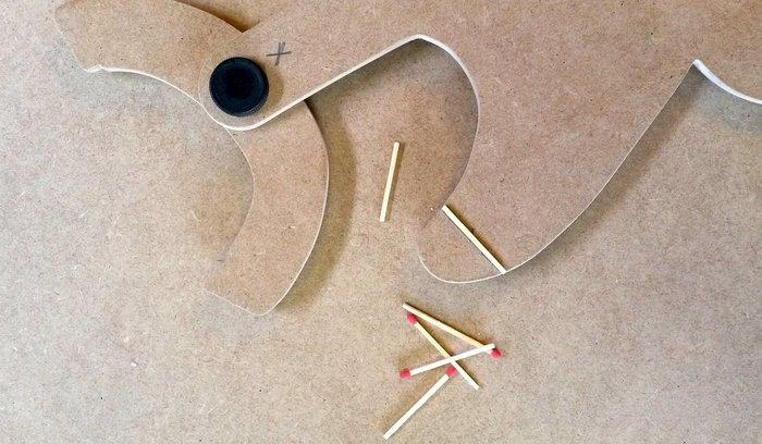 **CAT-MAKER**- On revient au processus de fabrication normal : « fixer » les pièces