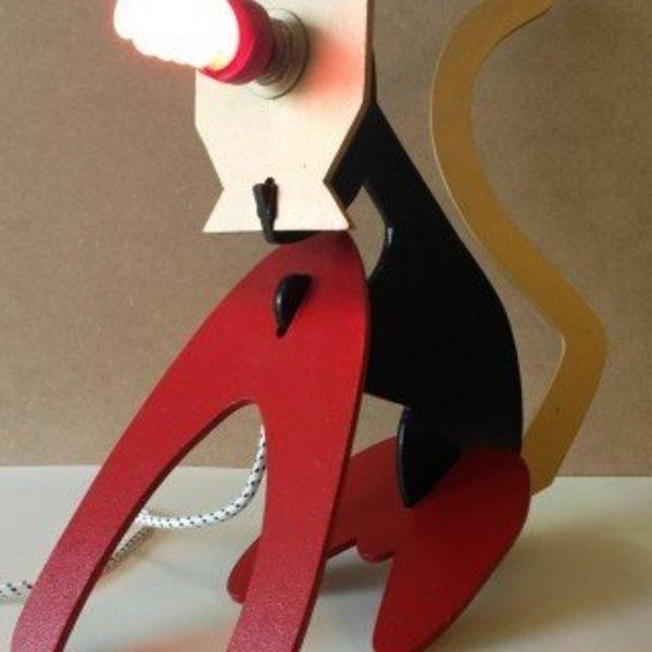 **CAT-MAKER**- Assembler votre lampe et votre CAT-MAKER… normalement il devrait rougir de la truffe !