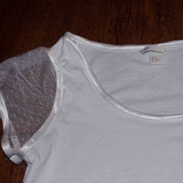 Un tee-shirt printanier !- Customiser l'encolure