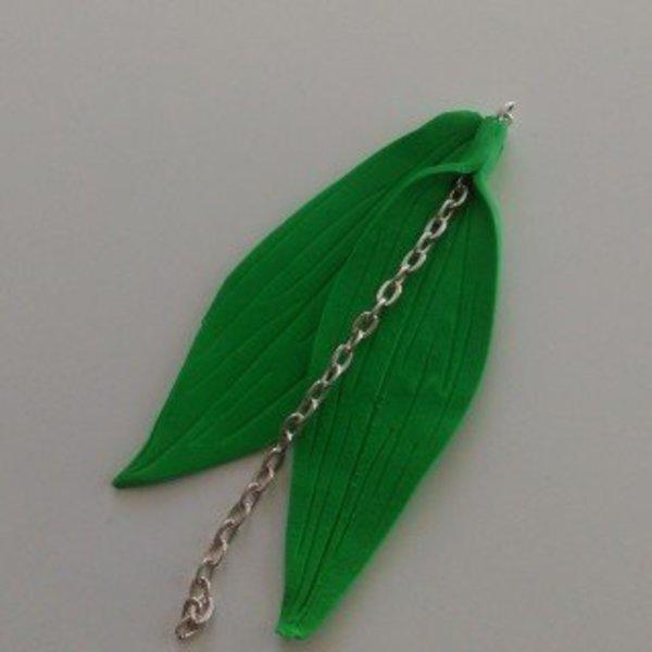 """Collier """"Porte bonheur""""- Modelage des feuilles de muguet"""