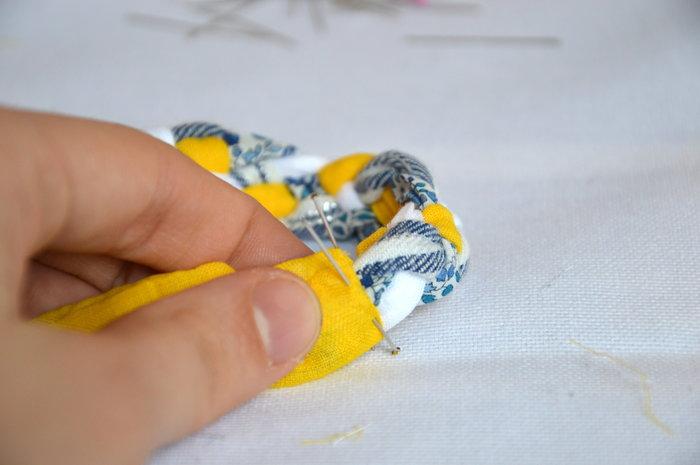 HEADBAND tresse fine- Couture de la tresse avec l'élastique