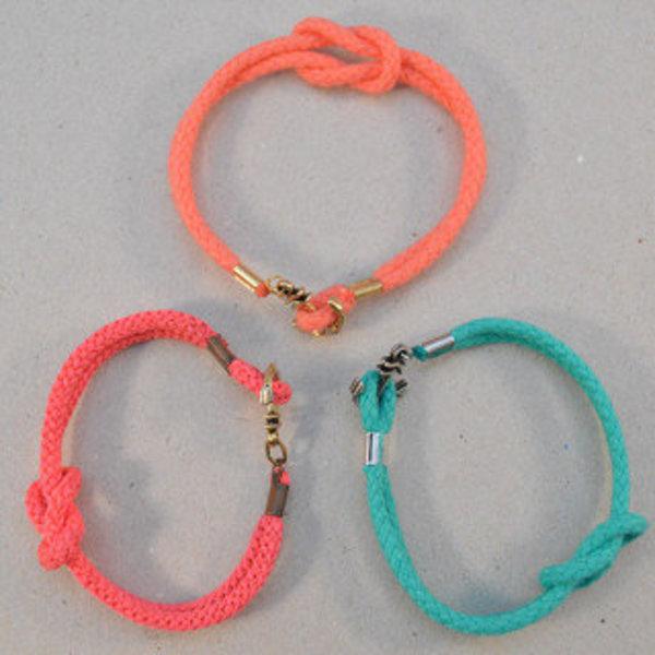 Bracelet d'été – ancre et noeud marin- Fixez les fermetures