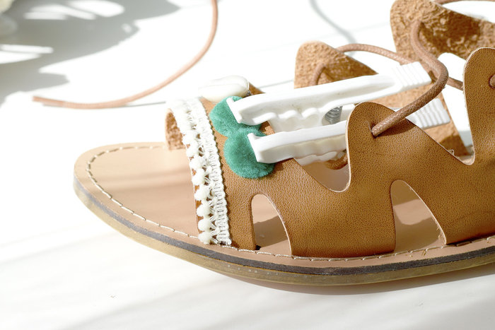 Chaussures boho- Les pompons