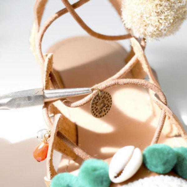 Chaussures boho- Les breloques