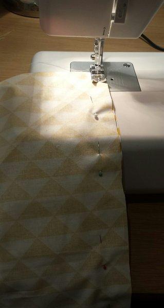Un sac cabas XXL réversible- Coudre à la machine la diagonale