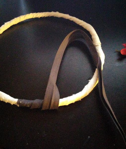 Une jolie couronne pour le cortège- Préparation de la couche extérieure