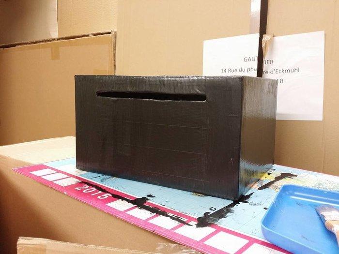 L'urne qui fait voyager- L'assemblage des boites