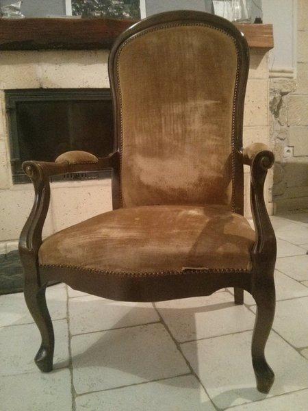 Rénovation d'un vieux fauteuil Voltaire- Le déganissage