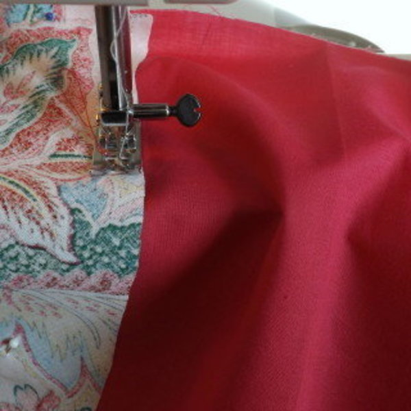PORTE CHEQUIER TISSU MOTIFS FLEURS- Positionner les 2 tissus motifs fleurs
