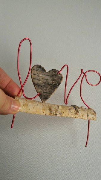 Déco LOVE- Faire tenir le mot sur le bois flotté