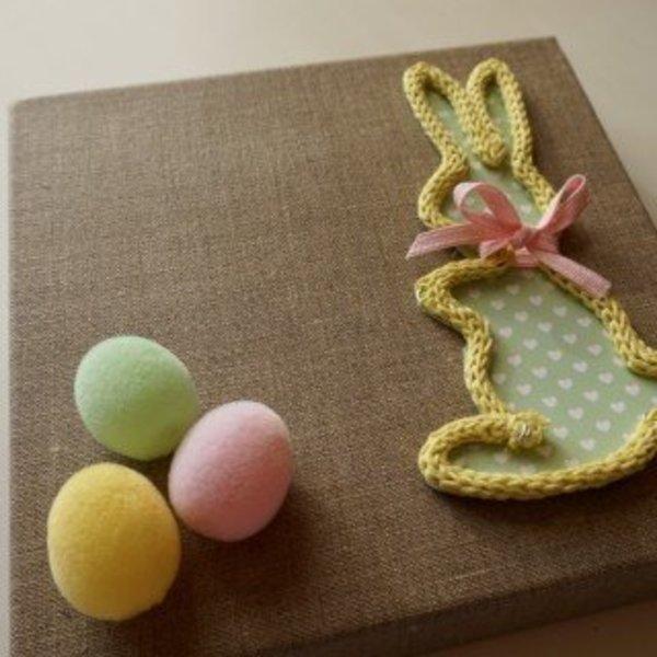 DIY : Lapin de Pâques en tricotin- Décoration