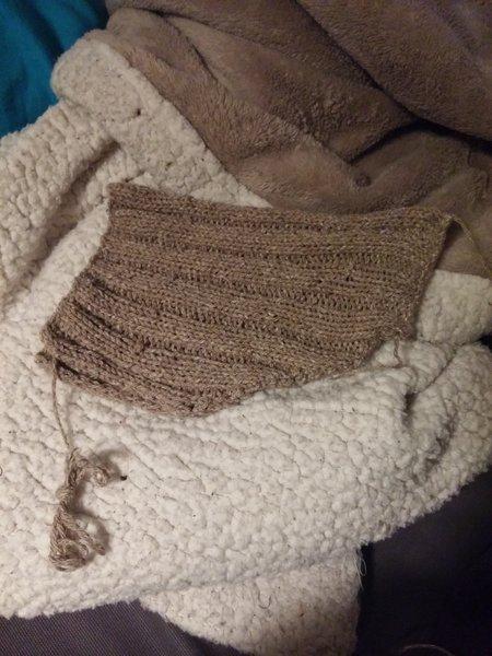 Un bonnet de lutin tricoté- Finitions