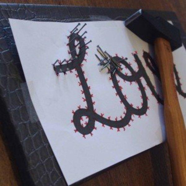 Un message en String Art- Clouter le motif