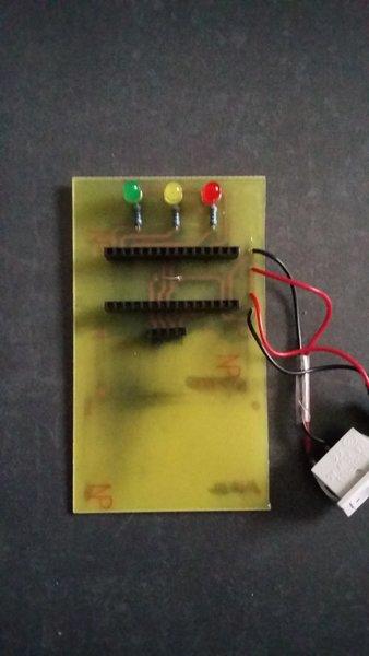 Radar de recul pour garage- Percage + soudure des composants