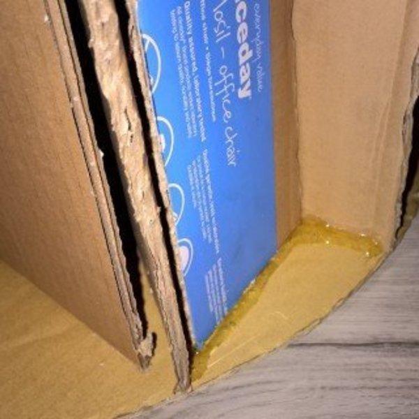 Que faire des cartons et autres emballages cadeaux- Assemblage du dessous de meuble
