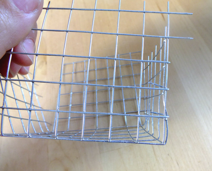 Petites corbeilles en métal- Mise en forme