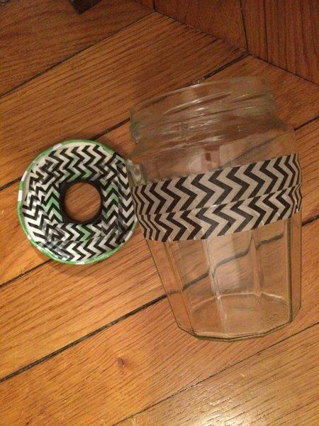 Abat-jour upcycling : donner une seconde vie à un bocal de confiture- Consolider le couvercle et le cercle de la lampe