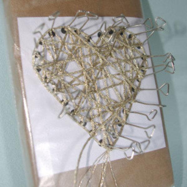 Mon bijou de Noël inspiré du String Art- Création du cœur en String Art