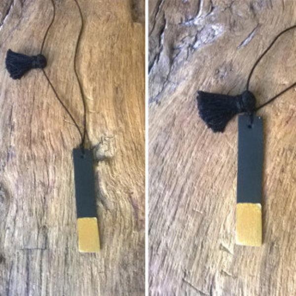 le sautoir noir et or- Finalisation du collier