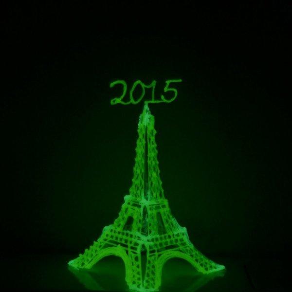 Fabriquer une Tour Eiffel au stylo 3D- On assemble le tout
