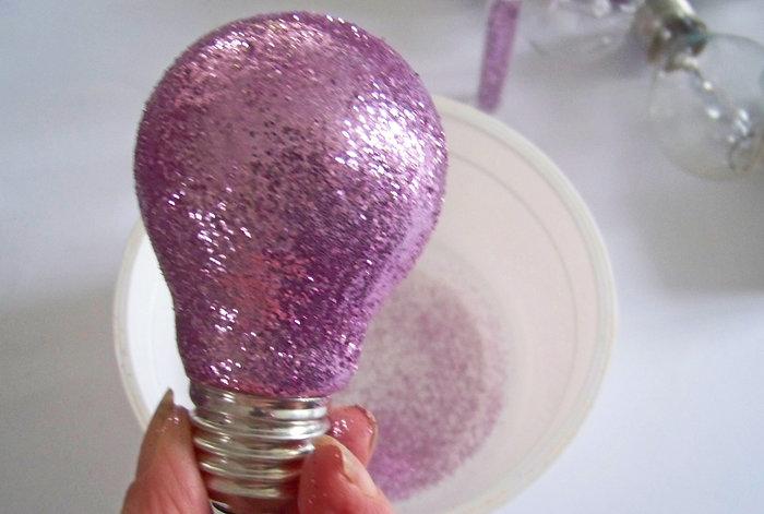 Ampoules à paillettes pour une déco home made- Préparer les ampoules