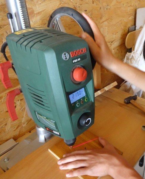 Un chenillard… circulaire !- Préparer la planchette de bois