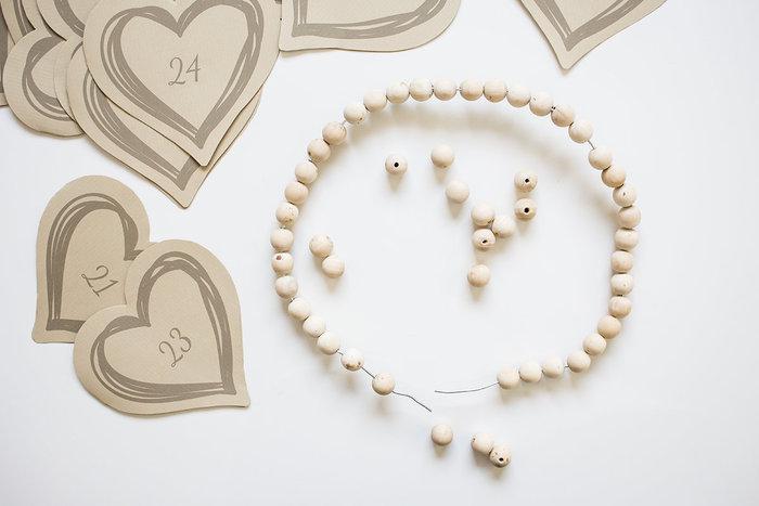 Calendrier de l'avent esprit scandinave …- Réaliser le cœur en perles de bois