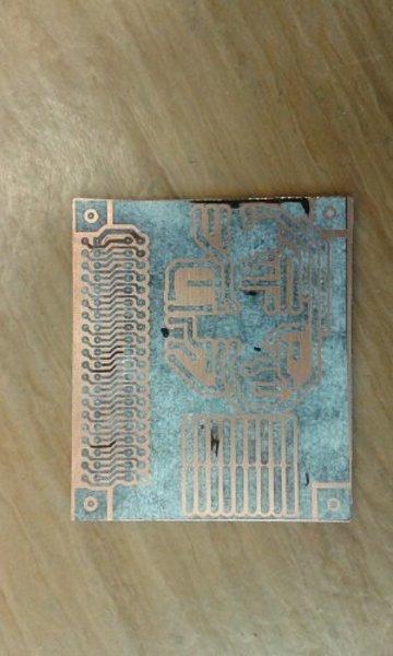 fabrication de circuits imprimés facile- On décole la tappiserie .
