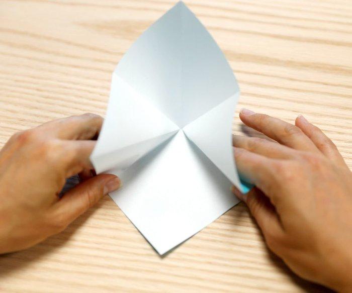 Cygne en origami- Pli en accordéon