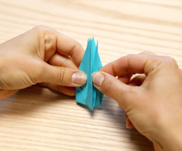 Cygne en origami- Pliage en tête à queue