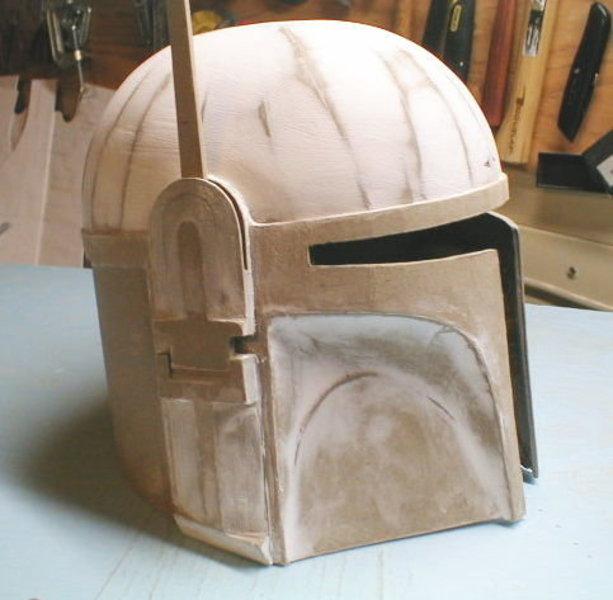 Fabriquer un casque pour un costume/déguisement- Ajout des détails