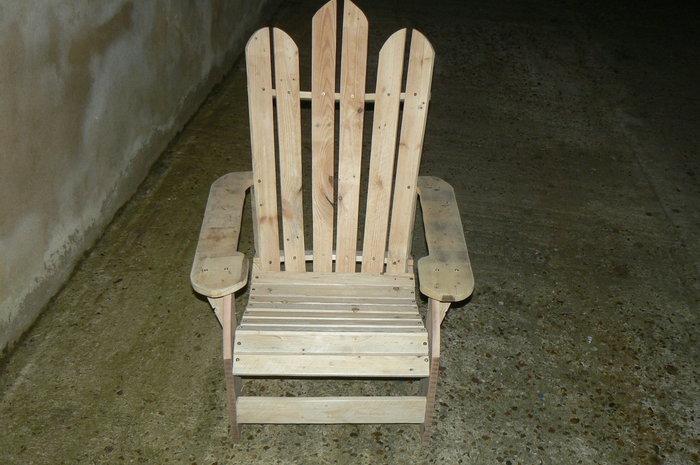 Un siege en palette-Chaise terminée