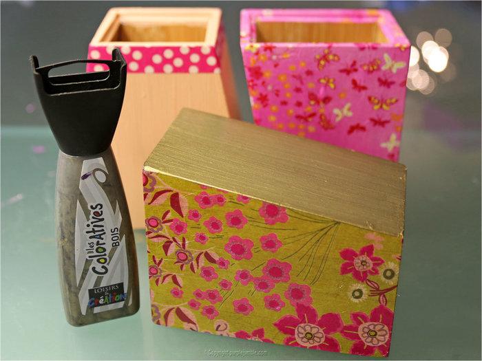 Des pots à crayons customisés-Peindre et décorer les pots