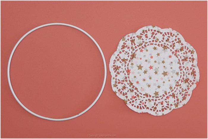 Un dreamcatcher pour rêver et décorer-Décorer l'anneau avec le napperon