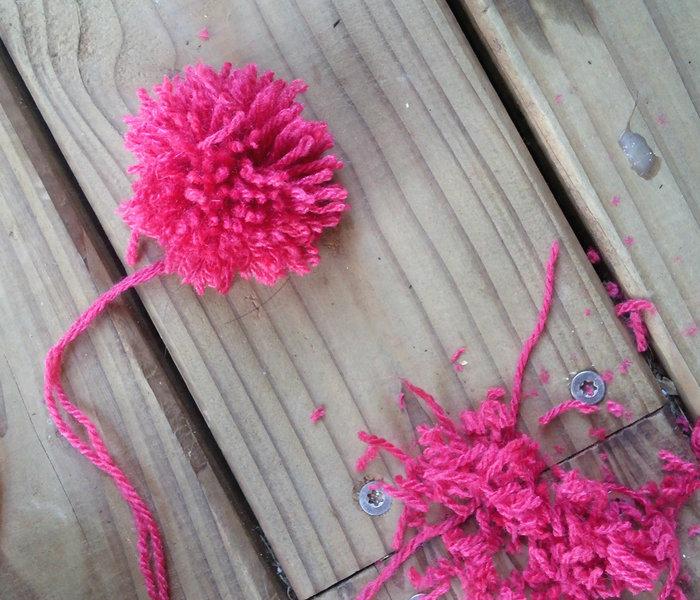 Un joli panier à cactus pomponné-Fabriquer 6 pompons