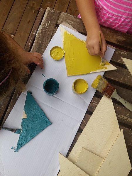 Un Tangram géant en bois-Peignez les pièces