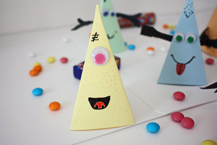Happy monsters pour halloween !-Replier et coller