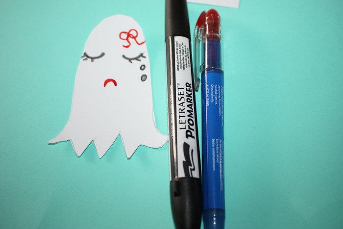 Fantômes kawaï pour halloween !!-Tracer la forme (fantôme +citrouille )