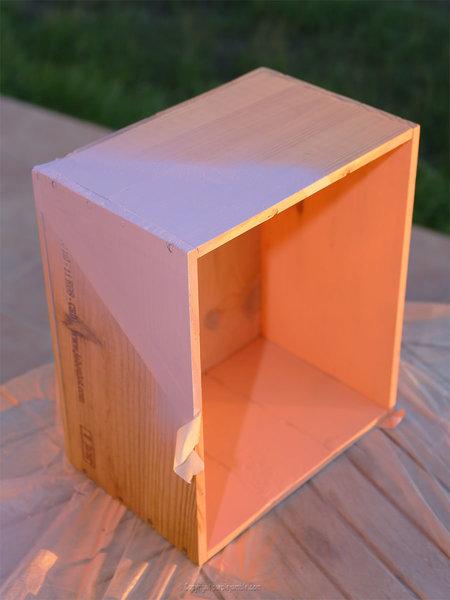 Un petit jardin suspendu-Peindre la caisse en bois