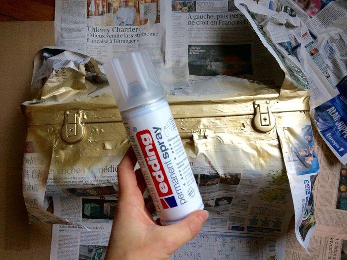 Transformer une valise en jardinière retro-Peinture